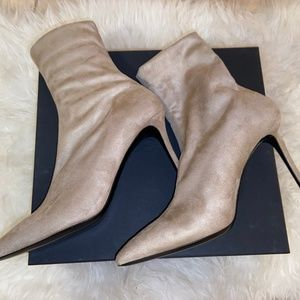 Theory Brand New Beige Faux Suede Ankle Boots.